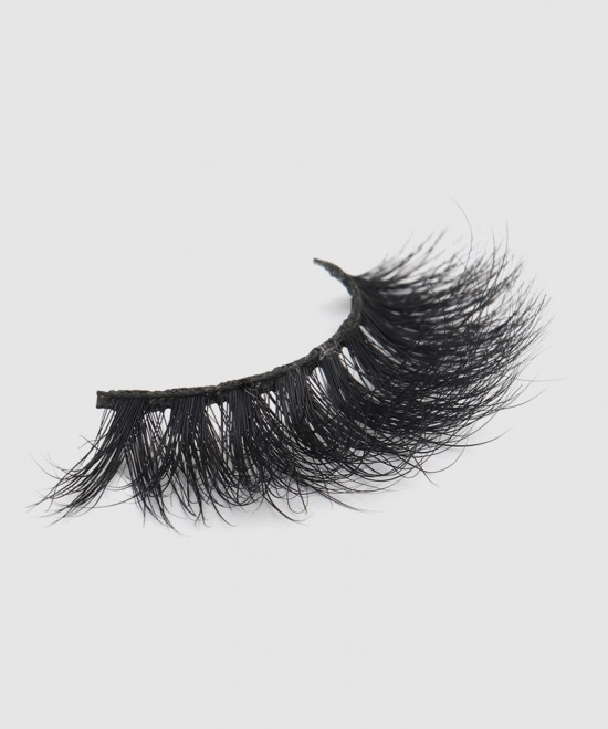 Natural Looking 5D Mink False Eyelashes Easy Application and Unparalleled Comfort L43