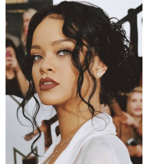 Robyn Rihanna Fenty Famous Star Same Style Wigs Dolago Loose Wave Human Hair Wigs With Headband Popuplar Headband Wig For Black Women 150% Density Brazilian Wigs With Headband Attached